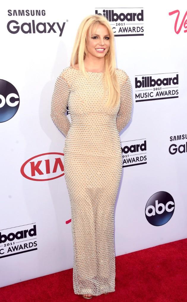 rs_634x1024-150517171428-634.Britney-Spears-Billboards.jl.051715